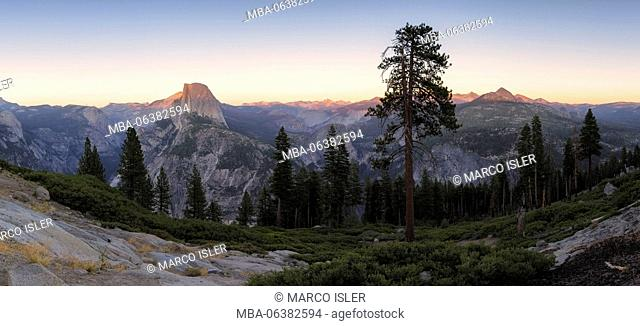 Panoramic view at the Half Dome and environment, Yosemite national park the USA, California