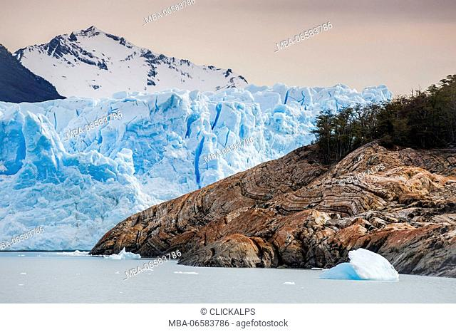 Argentino Lake, Los Glaciares National Park, Patagonia, Argentina, South America, Detail of Perito Moreno glacier