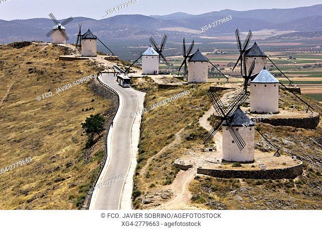 Molinos de viento. Cerro Calderico. Consuegra. Toledo. Castilla-La Mancha. España. Europa