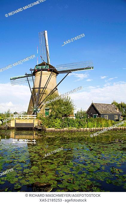 Windmill, built in the mid-18th century, Kinderdijk, Netherlands
