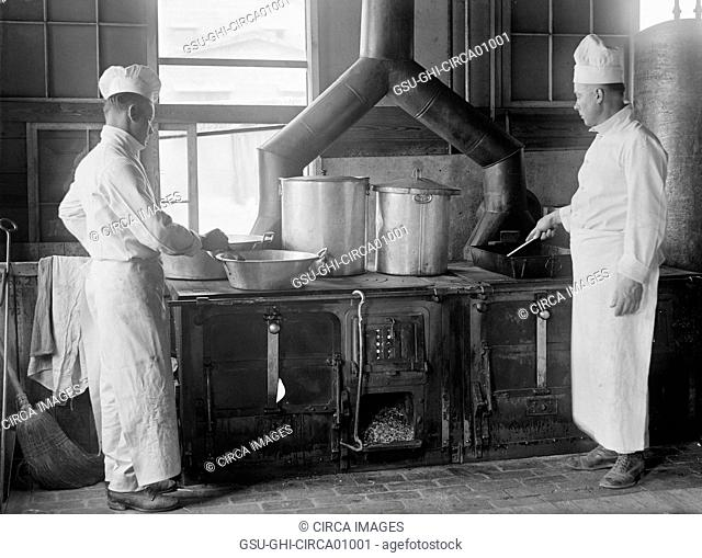 Two Cooks in Kitchen, Fort Meade, Maryland, USA, circa 1917