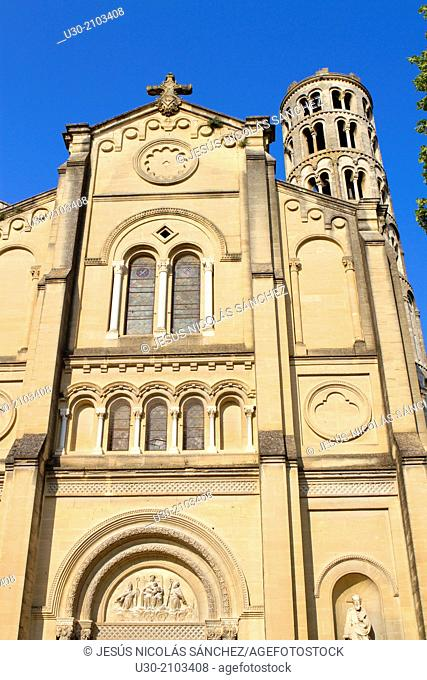 Saint-Theodorit Cathedral and romanesque Fenestrelle tower, in Uzes town. Gard department. Languedoc-Roussillon region, France