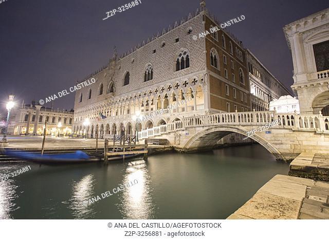 Venice, Veneto, Italy: The bridge of sights