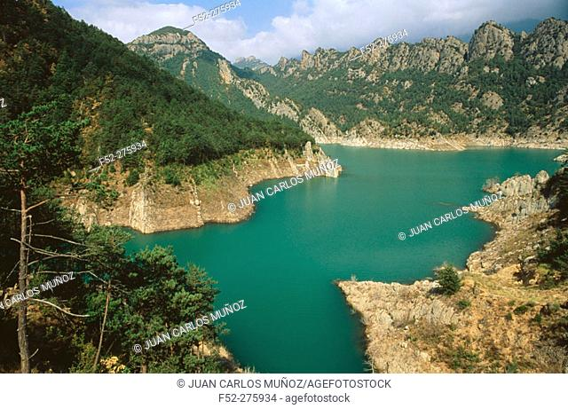 Reservoir 'Llosa del Cavall'. Solsonès. Lleida province. Catalunya. Spain