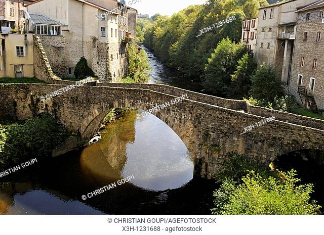 village of Olliergues on the Dore river, Livradois-Forez Regional Nature Park, Puy-de Dome department, Auvergne region, France, Europe