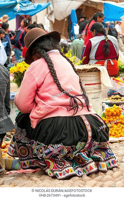 Peruvian woman in Pisac market. Pisac. Cusco. Perú. Andes. South america