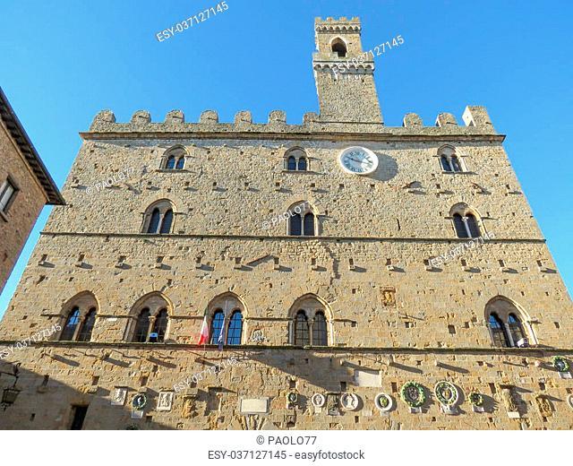 Volterra, Italian medieval town - view of the city centre - Palazzo dei Priori