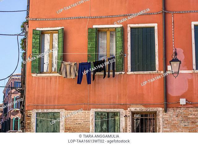 Italy, Veneto, Venice. A glimpse of daily life in Venice