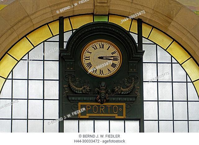 Porto Sao Bento, Bahnhof, Bahnhofsuhr