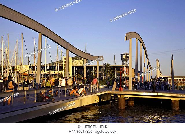 Spain, Barcelona, Catalonia, Rambla de Mar, Footbridge, sunset, Port Vell, Maremagnum