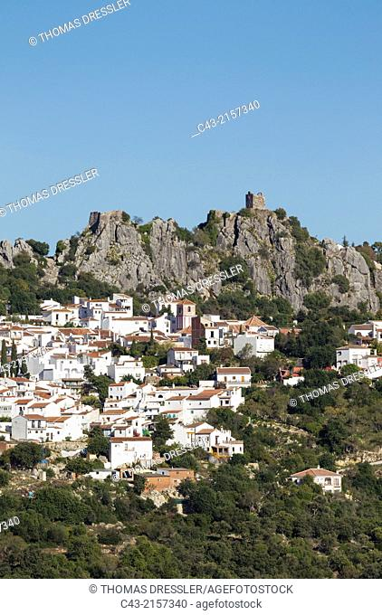 The White Town of Gaucín below a Moorish fort. Málaga province, Andalusia, Spain
