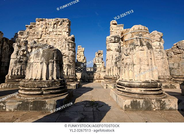 Picture of the ruins of column bases from the Ancient Ionian Greek Didyma Temple of Apollo & home to the Oracle of Apollo