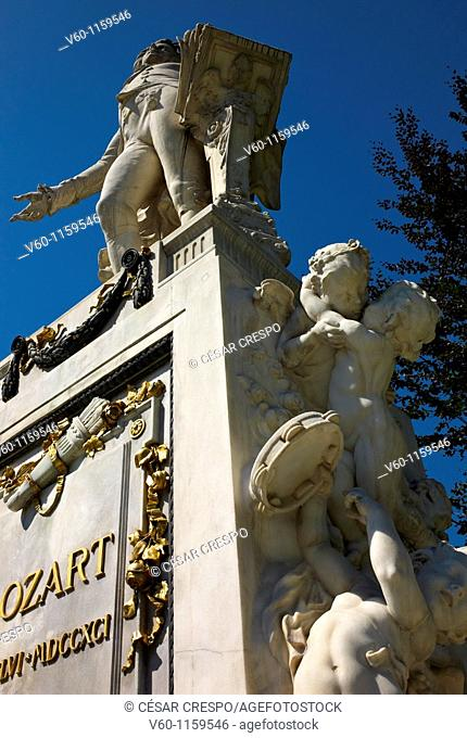 -Monument dedicated to Mozart- Wien (Austria)