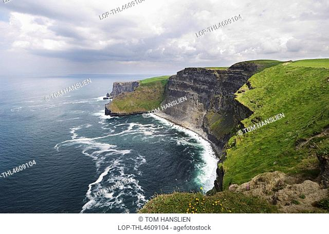 Republic of Ireland, County Clare, Cliffs of Moher, The Cliffs of Moher that stretch for 8km & rise up to 214 metres above the Atlantic Ocean