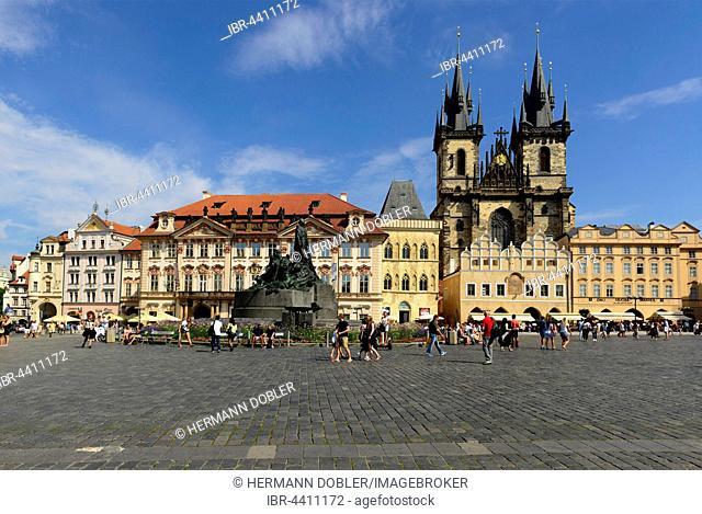 Tyn Church, Old Town Square, monument of Jan Hus, Prague, Czech Republic