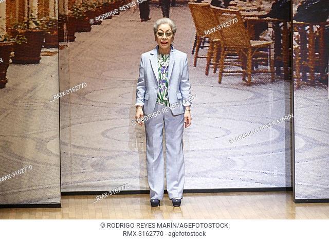 October 16, 2018, Tokyo, Japan - Japanese fashion designer Yuki Torii appears at the end of a catwalk for her fashion brand Yuki Torii International during the...