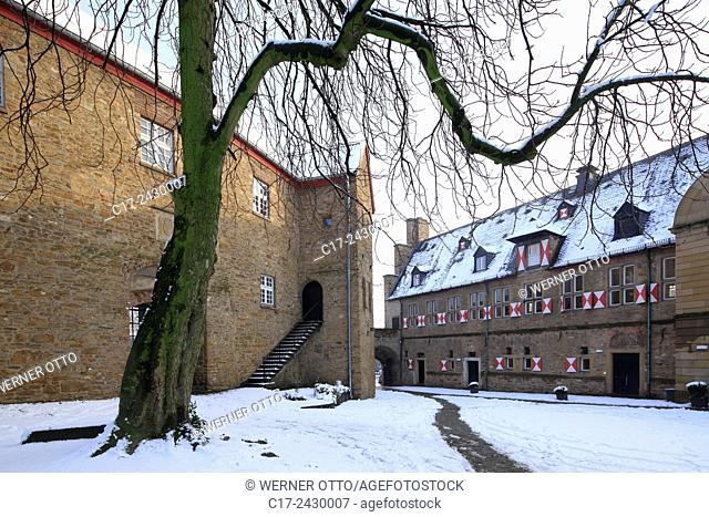 Germany, Muelheim an der Ruhr, Ruhr, Ruhr area, Rhineland, North Rhine-Westphalia, NRW, Muelheim-Broich, castle Broich, castle courtyard, wintry, snowy