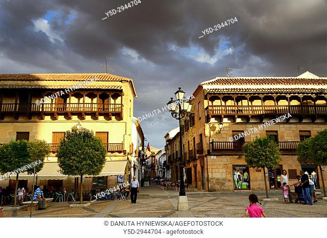 Plaza Mayor, Calle Cervantes in background, Villanueva de los Infantes, Ruta de Don Quijote, Ciudad Real, Castile-La Mancha, Spain, Europe