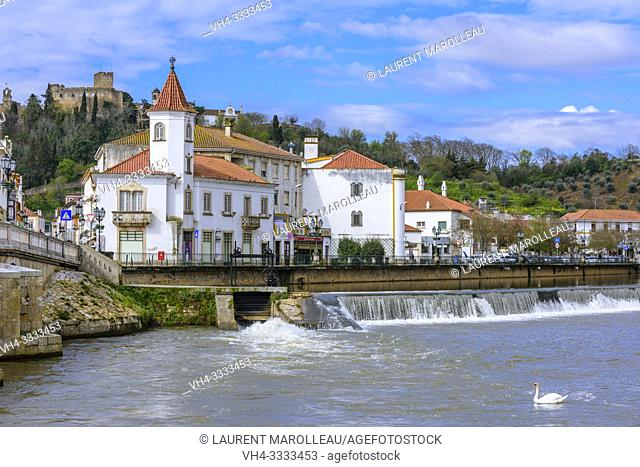 The river Nabao with Castle and Convent of the Order of Christ in background, Tomar, Santarem District, Centro Region, Portugal