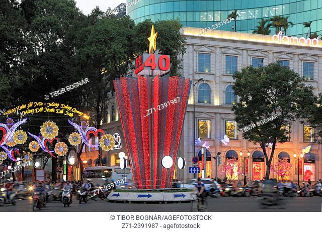 Vietnam, Ho Chi Minh City, Saigon, Diamond Department Store, street scene,
