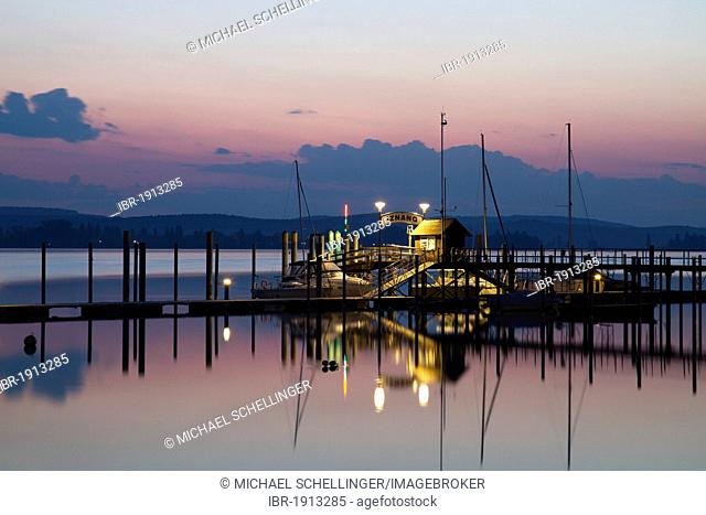 The jetty from Iznang in the first morning light, Iznang, Lake Constance, Konstanz district, Baden-Wuerttemberg, Germany, Europe