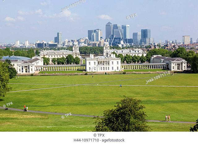 England, London, Greenwich, Greenwich Park and Docklands Skyline