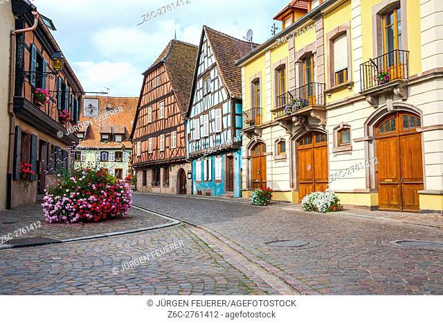 Kientzheim, next to Kaysersberg, scenic village, route of vine Alsatian, Alsace, France