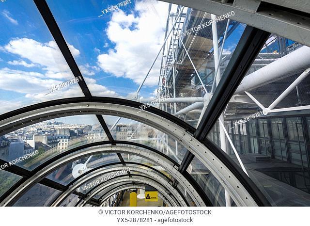 Centre Pompidou elevators