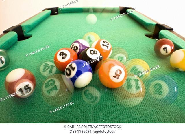 Billiards, break