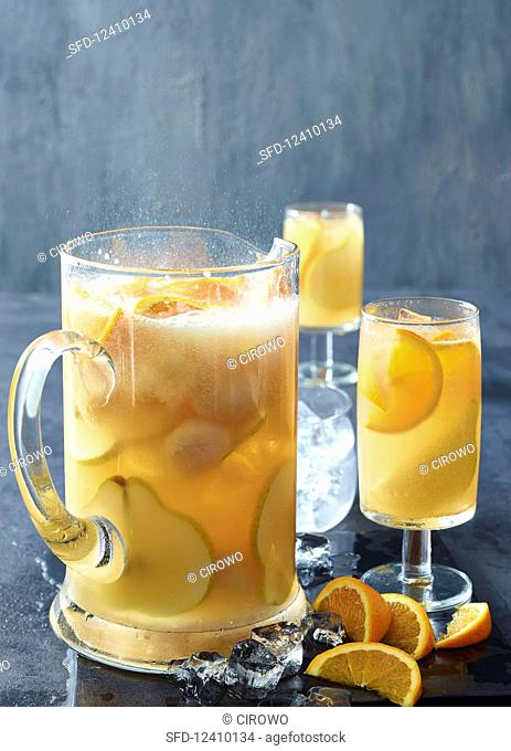 Pear, lychee and vanilla iced tea