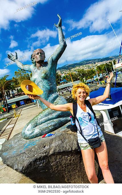 Estatua de La Sirenota statue. Marina. Funchal, Madeira, Portugal, Europe