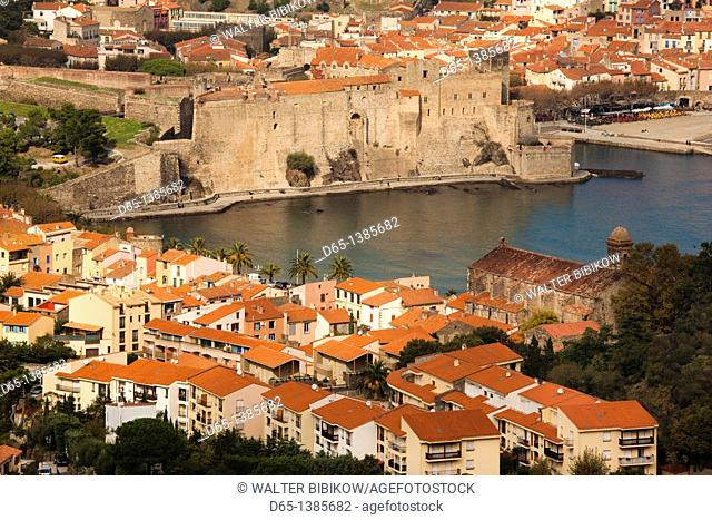 France, Languedoc-Roussillon, Pyrennes-Orientales Department, Vermillion Coast Area, Collioure, town overview, daytime