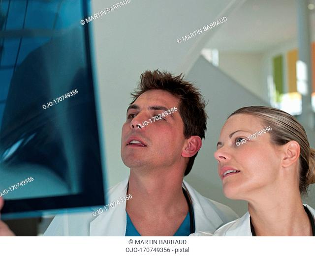 Doctors reviewing x-ray