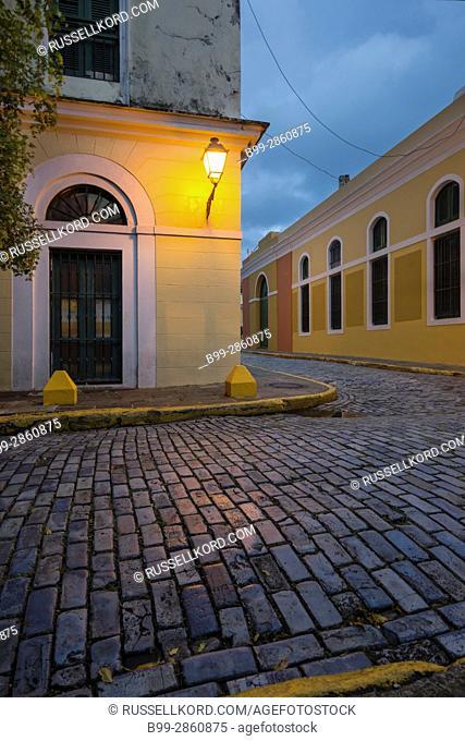 LANTERN ON CORNER MUSEO DE ARTE E HISTORIA DE SAN JUAN CALLE VIRTUD OLD SAN JUAN PUERTO RICO