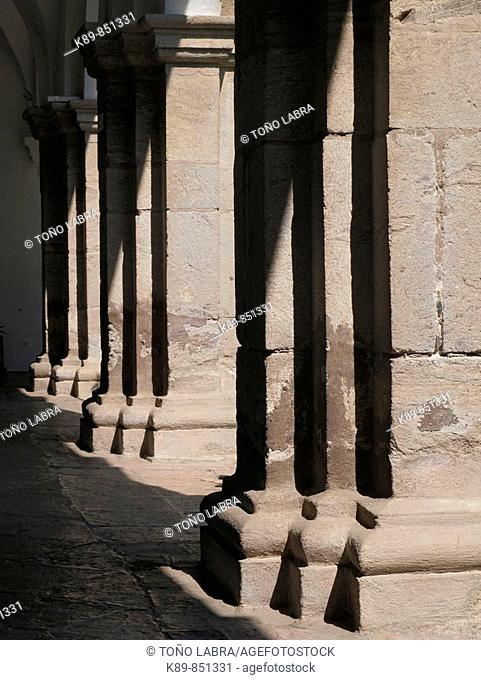 Colonnade Museo del Virreinato Tepotzotlán, México