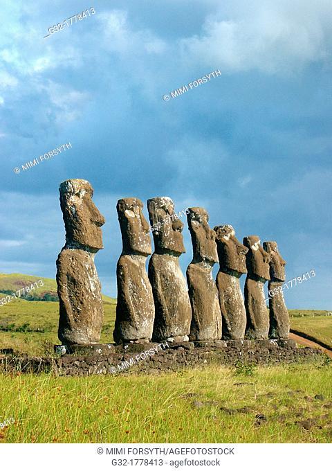 Ahu Akivi, moais, Rapa Nui, Easter Island, Chile