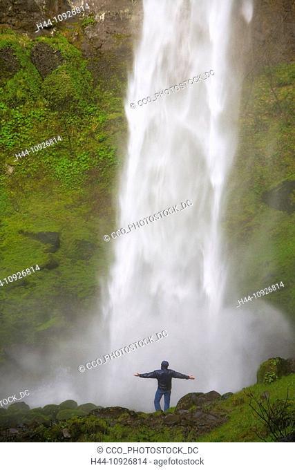 waterfall, waterfalls, model, Elowah Falls, Oregon, USA, United States, America, shower, spray, dousing, gorge, Columbia River, Gorge, National Scenic Area