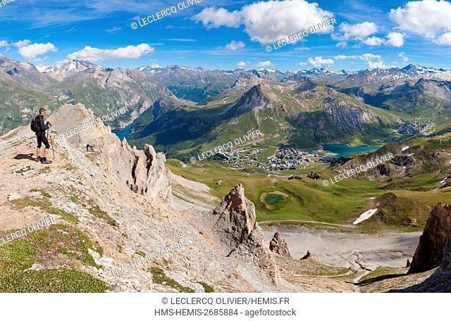 France, Savoie, Vanoise Massif, Seen on the village of Tignes and the lake from ridges
