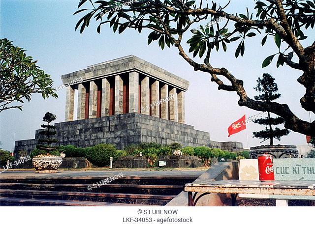 Ho Chi Minh Mausoleum with vietnamese Flag, Hanoi, Vietnam