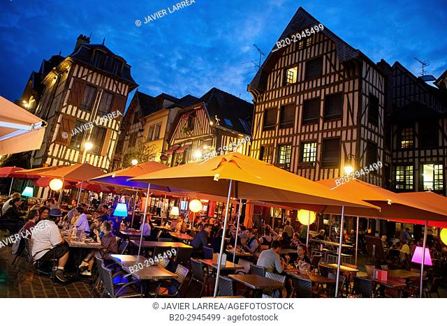 Place Alexandre Israël, Troyes, Champagne-Ardenne Region, Aube Department, France, Europe