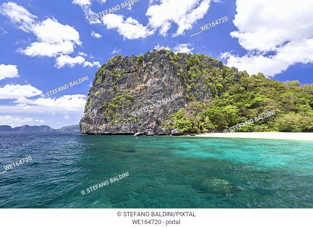 Rear end of Dilumacad island or helicopter island, Bacuit archipelago, Palawan island, El Nido, Philippines
