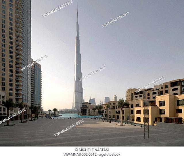 Burj Khalifa, S.O.M, Skidmore, Owings & Merrill, Dubai, UAE, 2010 general view with water terrace promenade, DUBAI, UNITED ARAB EMIRATES, Architect
