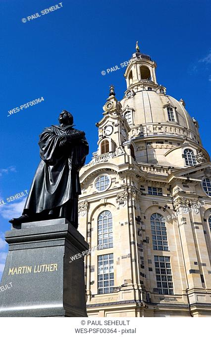 Germany, Saxony, Dresden, Church of our Lady and statue of Martin Luther