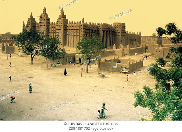 dhenne mali mosque