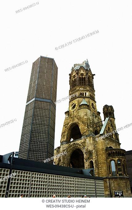 Germany, Berlin, Breitscheidplatz, Emperor William Memorial Church, New building alongside ruin