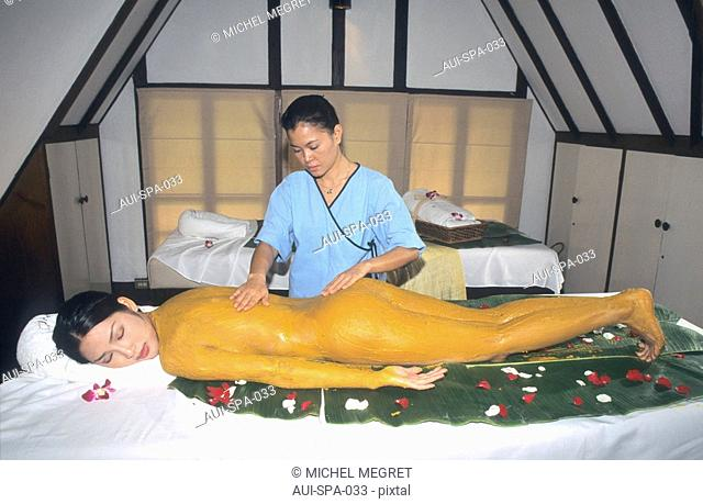 Spa - Ginger mud packing body treatment