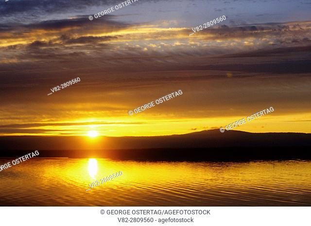 Sunset on Upper Klamath Lake, Upper Klamath National Wildlife Refuge, Volcano Legacy National Scenic Byway, Oregon