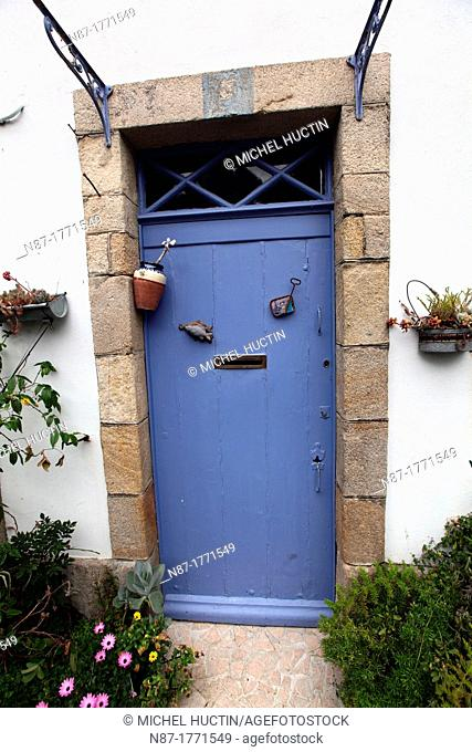 Decorated door at Rue Herve Julien Street on the Sardine Route, Douarnenez, Bretagne, France