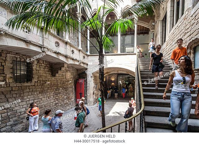 Spain, Catalonia, Barcelona, Barri Gotic,Entrance to Museu Picasso