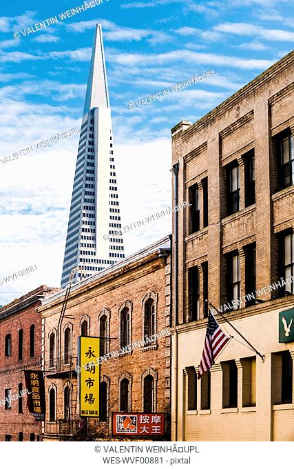 USA, California, San Francisco, Chinatown, Transamerica Pyramid